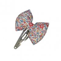 <img class='new_mark_img1' src='https://img.shop-pro.jp/img/new/icons1.gif' style='border:none;display:inline;margin:0px;padding:0px;width:auto;' />Kids Liberty hair Clip Katie & Millie Carnival