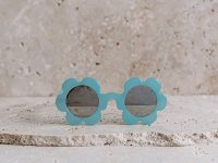 <img class='new_mark_img1' src='https://img.shop-pro.jp/img/new/icons1.gif' style='border:none;display:inline;margin:0px;padding:0px;width:auto;' />daisy sunglass  クリアブルー