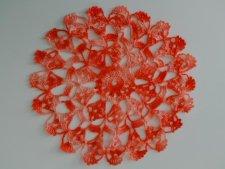 北欧ヴィンテージ  色鮮やかな花型のカギ針編みドイリー/ 朱色&サーモンピンク