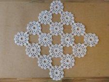 北欧ヴィンテージ 大きめのカギ編みドイリー / オフホワイト / 正方形 /スウェーデン