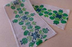 北欧ヴィンテージ 麻のテーブルランナー グリーンアップル / 麻色、グリーン