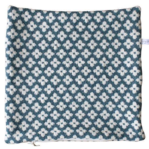 ウールクッションカバー メニーフラワーズ  (グリーンブルー)  by Birgitta Lagerqvist