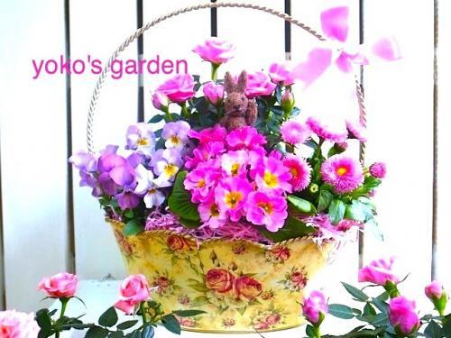 花プレゼント*高貴なバラのフラワーバスケット(Msize寄せ鉢)ウサギのピック付き