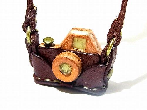 『 カメラ ネックレス 』 (カラー:ブラウン)【もりや ゆか】 ハンドメイド レザーアクセサリー レディース 手作り 牛革 革製品 小物 かわいい おし…
