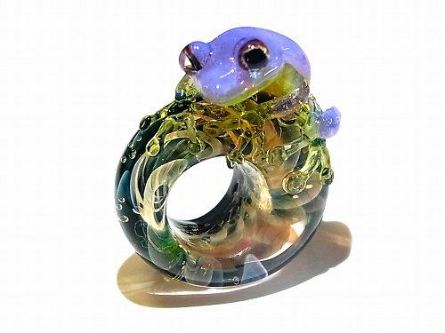 入梅 四 【kengtaro/ケンタロー】梅雨の頃合い ボロシリケイトガラス 職人 作家 蛙 かえる フロッグ 一点 カラフル 芸術 個性的 リング シーズン …