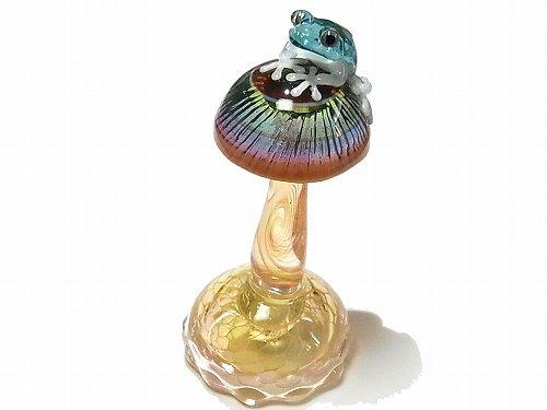 『 Frog on a Mshuroom 弐 』 オブジェ 【 kengtaro / ケンタロー 】 キノコ カエル ボロシリケイトガラス 職人 置物 蛙 かえる フロッグ インテリア 個性的…