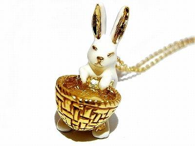 かごにひょこんとミルキーラビット ネックレス 【KAZA/カザ】【ゆうメール送料無料】ラビット 兎 ウサギ アクセサリー 動物 ホワイト ムーン 白いウサギ 白 アニマル かわ…