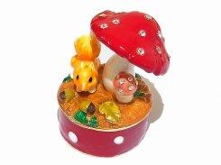 『 きのこ 』 【 ピィアース Piearth Japan 】アクセサリー ジュエリー ボックス 置物 インテリア かわいい モチーフ オブジェ 茸 リス 栗鼠