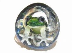 足音 拾 【 kengtaro ケンタロー 】 水たまりに広がる小さな波紋 ボロシリケイトガラス 職人 作家 蛙 かえる フロッグ 一点 カラフル 芸術 個性的