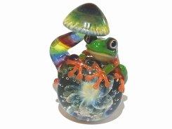 あまやどり 五 【 kengtaro ケンタロー 】 キノコにつかまるカエル ボロシリケイトガラス 職人 作家 蛙 かえる フロッグ 一点 カラフル 芸術 個性的 菌 きのこ