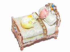 『 ミニチュアベッド ジュエリーボックス 』(ホワイト) 【 ピィアース Piearth Japan 】アクセサリー ジュエリー  ネコ 猫 キャット 置物 インテリア かわいい モチーフ オブジェ