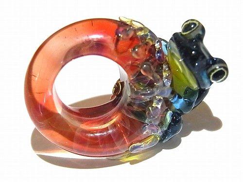 入梅 九 【 kengtaro / ケンタロー 】 梅雨の頃合い ボロシリケイトガラス 職人 作家 蛙 かえる フロッグ 一点 カラフル 芸術 個性的 リング シーズン …