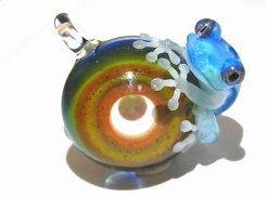 月虹 (げっこう) 五 【 kengtaro ケンタロー 】 カエル 蛙 フロッグ モチーフ ボロシリケイトガラス 職人 作家 カラフル 芸術 個性的 チャーム