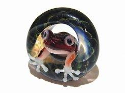 足音 拾壱 【 kengtaro ケンタロー 】 水たまりに広がる小さな波紋 ボロシリケイトガラス 職人 作家 蛙 かえる フロッグ 一点 カラフル 芸術 個性的