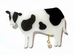 MILK ブローチ 【 Luccica ルチカ 】【 メール便 送料無料 】 アクセサリー おもしろ カワイイ 個性的 アニマル 動物 誕生日 牛 うし プレゼント 女性