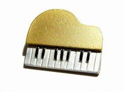 ピアノ ブローチ (ゴールド)【 Luccica ルチカ 】【メール便送料無料】 楽器 演奏 音楽 アクセサリー かわいい 個性的 コンサート ライブ ユニーク
