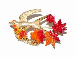 ツバメのいざない ブローチ 【 Palnart Poc パルナートポック 】【 メール便 送料無料 】 鳥 バード 紅葉 もみじ かわいい スワロー 人気 プレゼント 女性 雑貨 燕