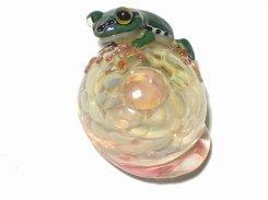 Frog on a Mushroom (アマガエル)  kengtaro ケンタロー 】 ガラス 硝子 蛙 かえる フロッグ 菌 きのこ インテリア お洒落