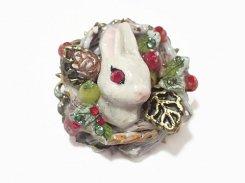 ウサギ ブローチ(小)xmas  【 Wadou-koubou / 和道工房 】 アニマル 動物 ハンドメイド うさぎ クリスマス かわいい ラビット