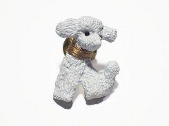 トイプードル ブローチ (カラー:ホワイト) 【 Luccica ルチカ 】【 メール便 送料無料 】 犬 プードル アニマル 動物 かわいい アクセサリー 愛犬家
