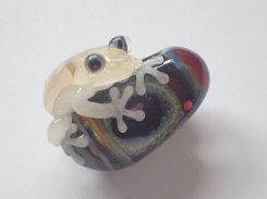 写真追加分『 宙 そら(弐) 』【 kengtaro ケンタロー 】  カエル ボロシリケイトガラス 職人 作家 蛙 かえる フロッグ 一点 カラフル 芸術 個性的 かわいい