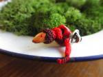 リンゴを食べるお花ヘビ  ピンブローチ【馴鹿/Jun-Roku】