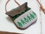チェコ・クロスステッチ 小さなポケット ネックレス グリーン【もりや ゆか】