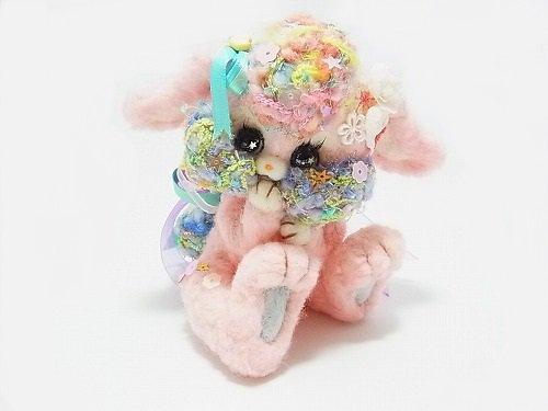 羊毛フェルトのイチゴウサギ【ichigoya/イチゴヤ】