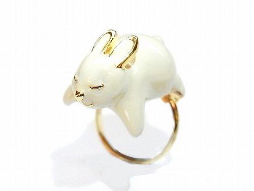 ウサギの抱きつき リング 【KAZA/カザ】【ゆうメール送料無料】兎 うさぎ ラビット アニマル 動物 アクセサリー レディース 指輪 キュート ホワイト ラブリー