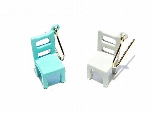 カラフルチェアー ピアス (ブルー×グレー) 【Luccica/ルチカ】【ゆうメール送料無料】 椅子 アクセサリー レディース レトロ カワイイ 家具 個性的 おもしろ …
