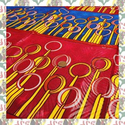 アフリカのプリント布 リング赤青(表示価格は90cm)