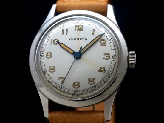 ACCURA / ROUND, N.O.S 1940'S
