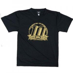 【期間限定販売】HOMECOURT.(ホームコート) 10th Anniversary Dry Tee(10周年記念Tシャツ) 黒/金