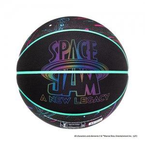 <img class='new_mark_img1' src='https://img.shop-pro.jp/img/new/icons14.gif' style='border:none;display:inline;margin:0px;padding:0px;width:auto;' />SPALDING(スポルディング)  SPACE JAM NEW LEGACY Black Ball(スペースジャム2ブラック合成皮革ボール) ブラック/グロー/6号球