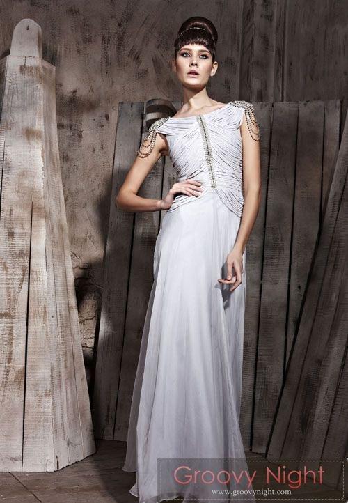 高級感、気品 風格漂うクイーンロングドレス♪