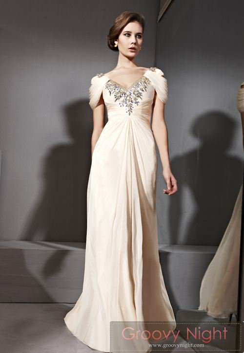 落ち着いた大人の風格を持つ王室ドレス♪