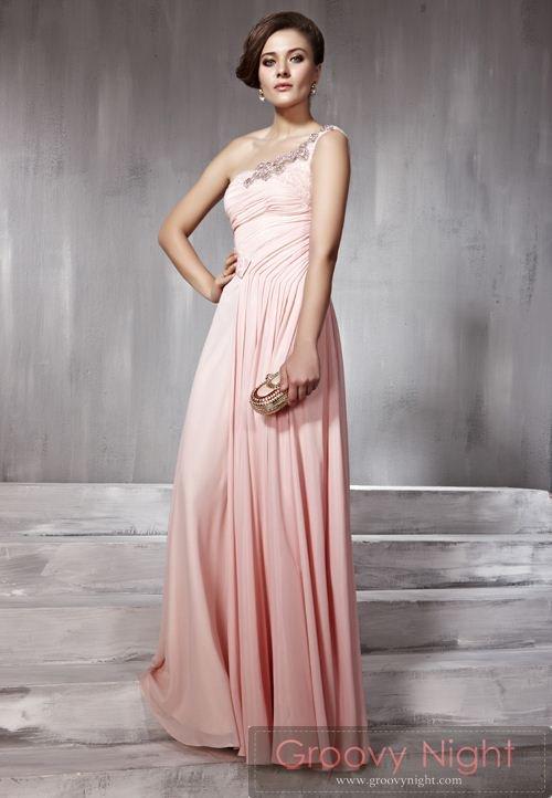可愛らしいベビーピンクロングドレス♪