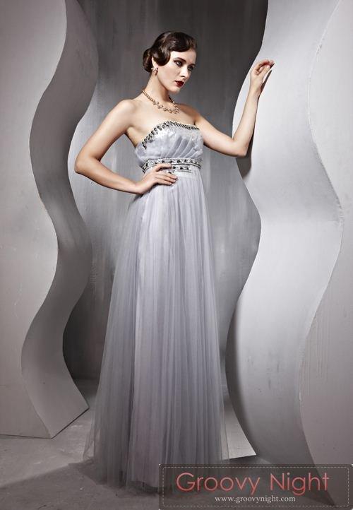神秘的な雰囲気 ミステリアスなロングドレス♪