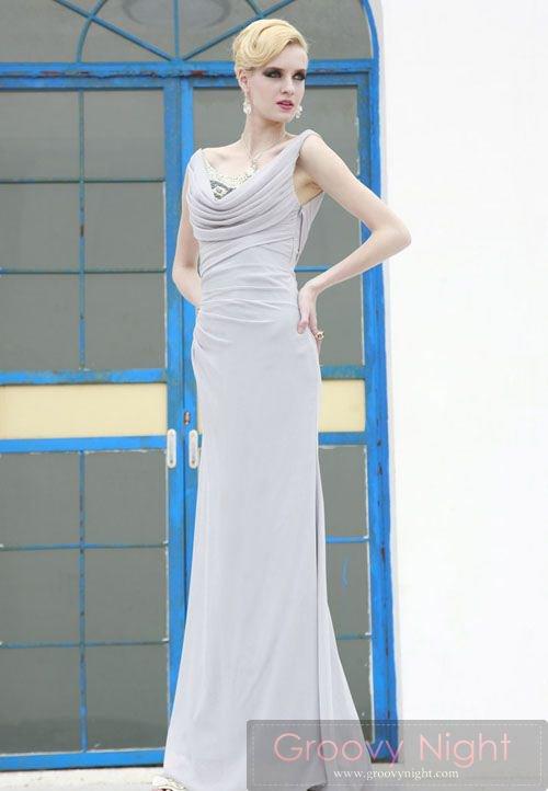 落ち着いた雰囲気で大人の魅力一杯のロングドレス♪