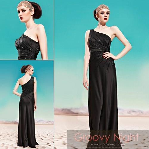 ブラックカラーでスタイルアップ!!痩せてみえるロングドレス♪