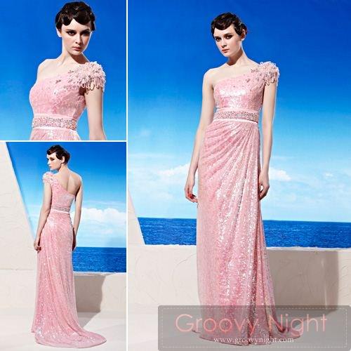 可愛いピンクで女子力UP間違いなしのロングドレス♪
