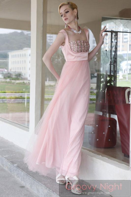 可愛さ最強のプリンセスモデルで出かけるのが楽しくなるロングドレス♪