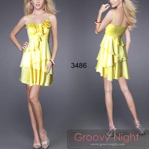 希少なカラー斬新デザインで元気いっぱいのショートドレス♪