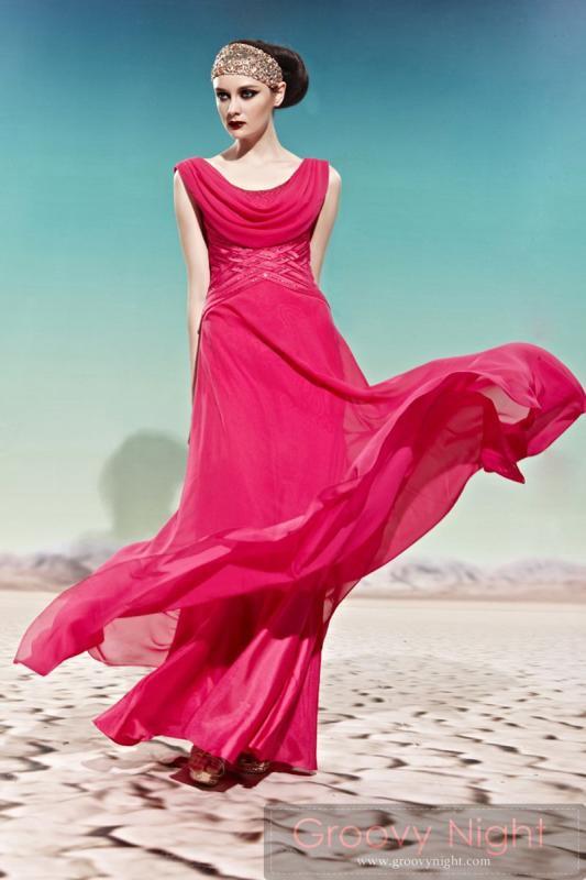 紅の着やせロングドレス♪