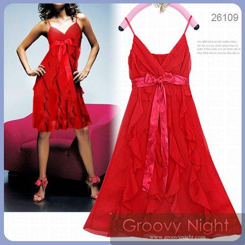 大きめリボンにレッドが映える大舞台で輝くショートドレス♪