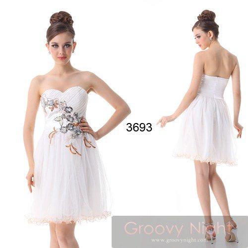 清楚で可憐な色合いとデザインで少女のようなショートドレス♪