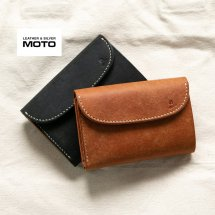 <img class='new_mark_img1' src='https://img.shop-pro.jp/img/new/icons14.gif' style='border:none;display:inline;margin:0px;padding:0px;width:auto;' />モト LEATHER & SILVER MOTO 3つ折り ミドルウォレット W6R