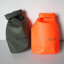 <img class='new_mark_img1' src='https://img.shop-pro.jp/img/new/icons14.gif' style='border:none;display:inline;margin:0px;padding:0px;width:auto;' />フィルソン FILSON スモールドライバッグ SMALL DRY BAG オリーブ