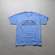 <img class='new_mark_img1' src='https://img.shop-pro.jp/img/new/icons14.gif' style='border:none;display:inline;margin:0px;padding:0px;width:auto;' />University of North Carolina ノースカロライナ大学 チャンピオン製 CHAMPION カレッジTシャツ サックス