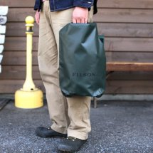 <img class='new_mark_img1' src='//img.shop-pro.jp/img/new/icons50.gif' style='border:none;display:inline;margin:0px;padding:0px;width:auto;' />FILSON フィルソン DRY BAG SMALL  ドライバッグ スモール アメリカ製 グリーン
